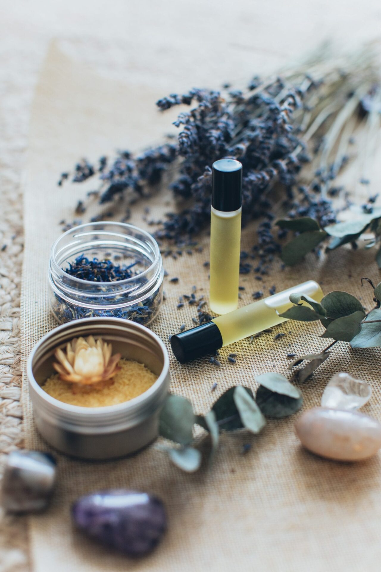 8 Herbs That Are Super Easy To Get For Powerful Love Magic